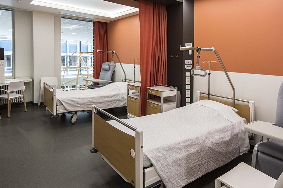 напольное покрытие больницы